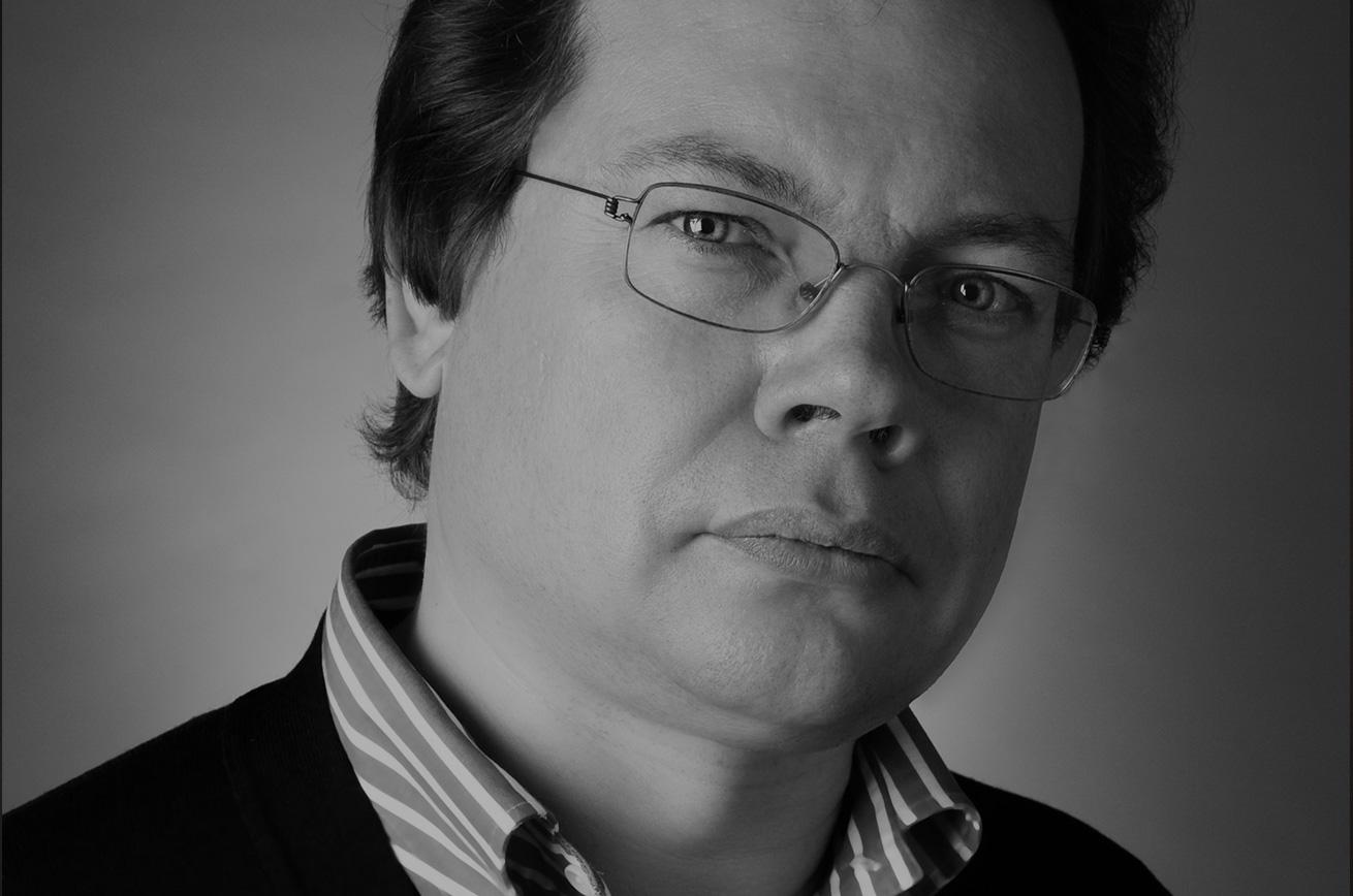 Alexander-Vedernikov_photo-Marco-Borggreve_main-image-artistes-new