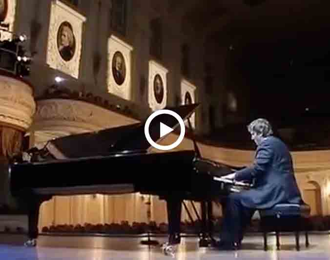 Boris Berezovsky plays Ravel Gaspard de la nuit, video extrait