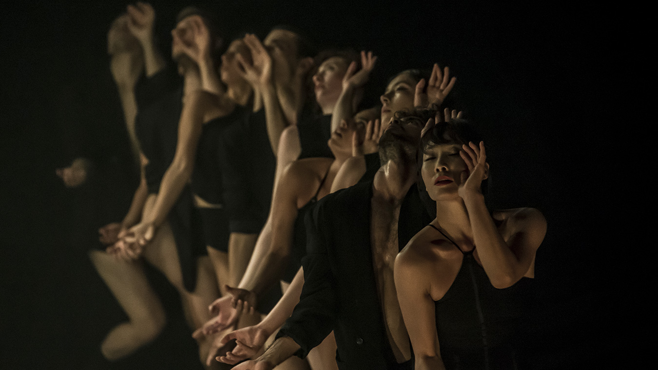 Kibbutz-cotemporary-Dance-Caompany_photo-Eyal-Hirsch_Full-image-complet13